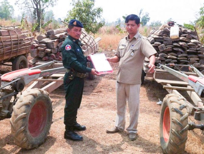 timber_heading_to_laos_supplied