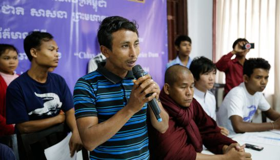 ven_vorn_speaks_at_a_press_conference_in_phnom_penh_in_2014_regarding_the_areng_dam_31_12_2014_pha_lina