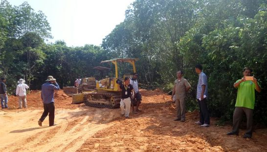 authorities_inspect_a_construction_site_in_preah_sihanouk_earlier_this_year_after_a_construction_project_destroyed_hectares_of_mangrove_forest_along_the_provinces_coast_20_02_2016_supplied
