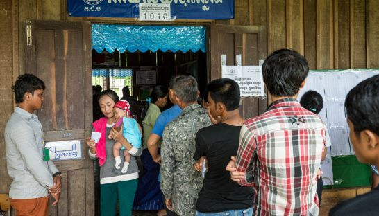 voters_queue_at_a_voting_station_in_battambang_province_during_the_2013_national_elections_for_comfrel_kem_ley_28_07_2013_scott_howes