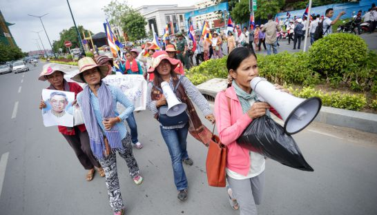 villagers_from_koh_kongs_chi_khor_leu_commune_march_toward_the_national_assembly_yesterday_where_they_delivered_a_petition_hong_menea
