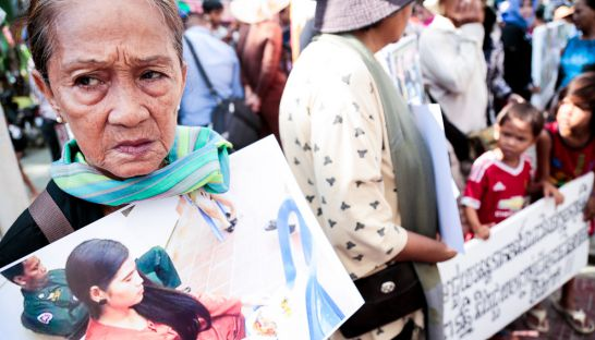 a_supporter_holds_an_image_of_boeung_kak_lake_activists_tep_vanny_during_a_protest_in_front_of_the_phnom_penh_municipal_court_yesterday_morning_19_09_2016_hong_menea