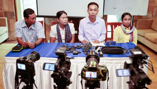 mother_nature_representatives_speak_at_a_press_conference_yesterday_regarding_a_proposed_areng_valley_road_12_09_2016_hong_menea