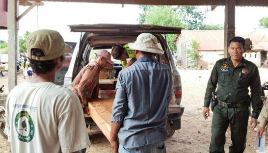 authorities_seize_illegal_wood_in_mondulkiri_province_last_week_during_joint_raid_on_house_in_the_area_17_11_2016_grk