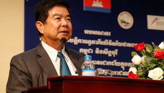 10_suy_sem_minister_of_mines_and_energy_at_a_meeting_in_phnom_penh_in_2015_15_07_2015_heng_chivoan