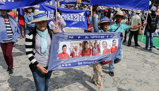 13_protesters_march_in_phnom_penhs_freedom_park_to_commemorate_human_rights_day_on_saturday_10_12_2016_licadho