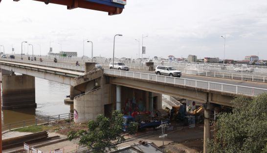 11_construction_under_the_japanese_bridge_in_phnom_penh_meng_srun_sreng_17_01_2017