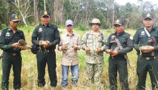 a-patrol-unit-from-trapeang-rung-station-rescued-eight-wild-birds-by-confiscating-bird-nets-set-up-by-hunters-earlier-this-week-supplied