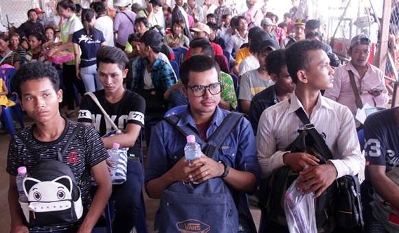 3-1-Migrant-workers-in-Thai-land-Ven-Rathavong-10