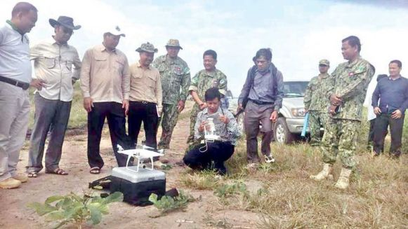officials_from_the_ministry_of_environment_and_the_kampong_speu_provincial_department_of_environment_in_late_january_inspect_a_disputed_area_inside_the_phnom_oral_wildlife_sanctuary._sup